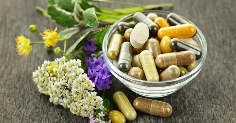 Hipolabor explica: Os medicamentos podem ser utilizados junto com plantas medicinais?