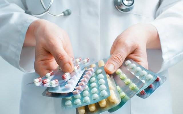 Hipolabor explica: as principais diferenças entre os remédios genéricos, similares e de referência