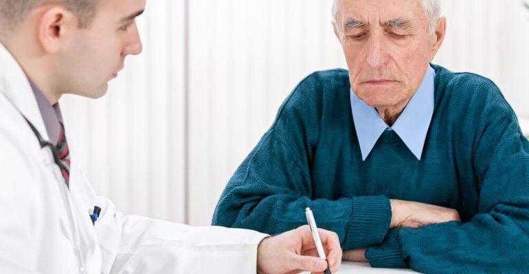 Hipolabor explica: quais são as doenças mais comuns na velhice