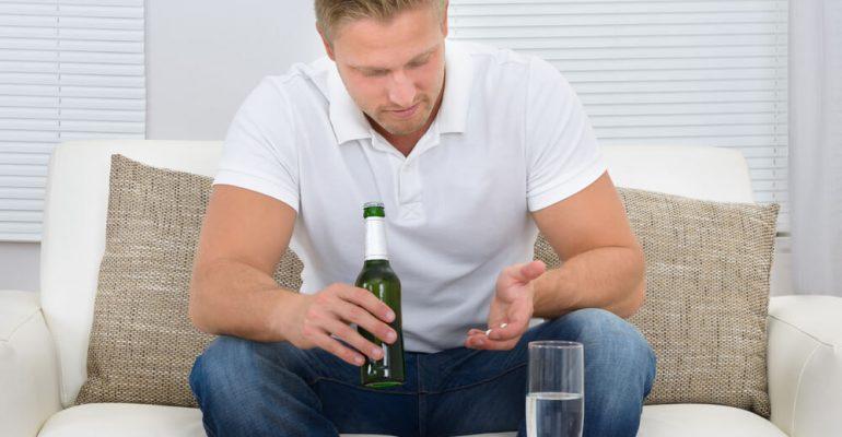 Hipolabor esclarece: por que o álcool corta o efeito do antibiótico