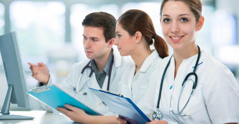 Hipolabor mostra: 5 cursos na área de farmácia que você precisa fazer!