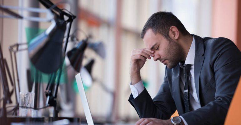 Hipolabor ensina: conheça os sintomas da exaustão e aprenda a combatê-la