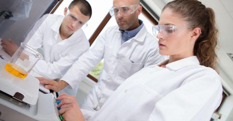 Curso de farmácia: 5 carreiras promissoras no mercado farmacêutico