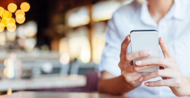 Conheça os principais problemas de visão causados pelo celular