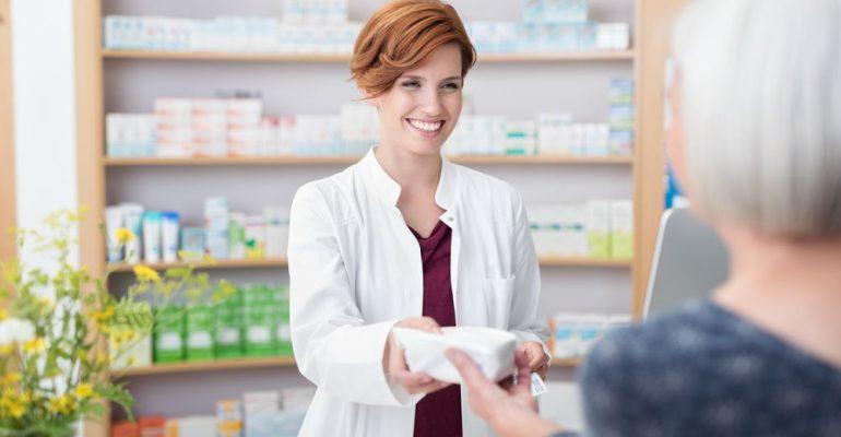 5 dicas de atendimento farmacêutico para aumentar as vendas
