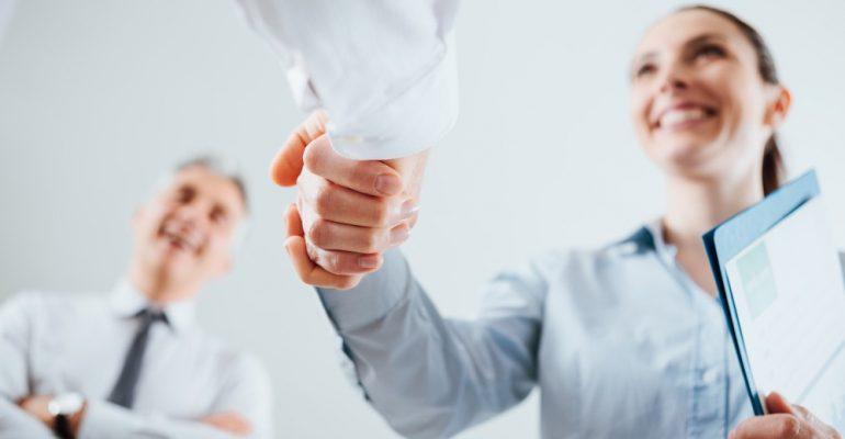 Entrevista de emprego para farmacêutico: como devo me comportar?
