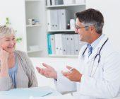 Atendimento a idosos: guia para se destacar na carreira farmacêutica