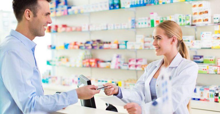 Como fidelizar clientes de uma farmácia? Entenda!
