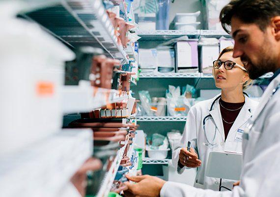 Como é o trabalho do farmacêutico oncologista